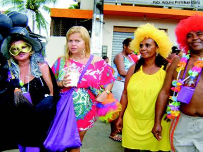 O colorido das fantasias invade a Gamboa